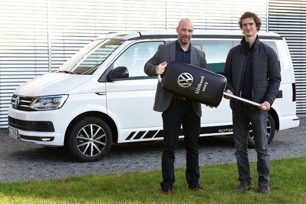 Lezci Adamovi Ondrovi bude na cestách dělat společnost Volkswagen California Ocean