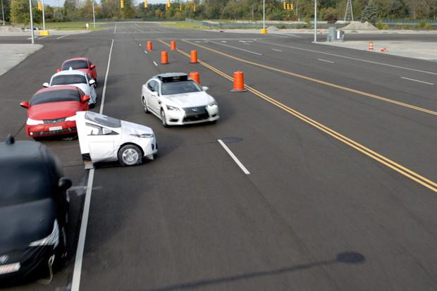 Toyota na CESu ukázala nehodu a také to, jak jí pomocí technologií zabránit