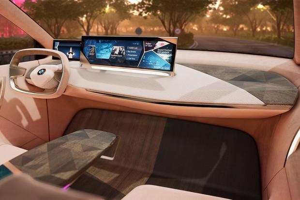 Nahlédněte do útrob BMW Vision iNEXT
