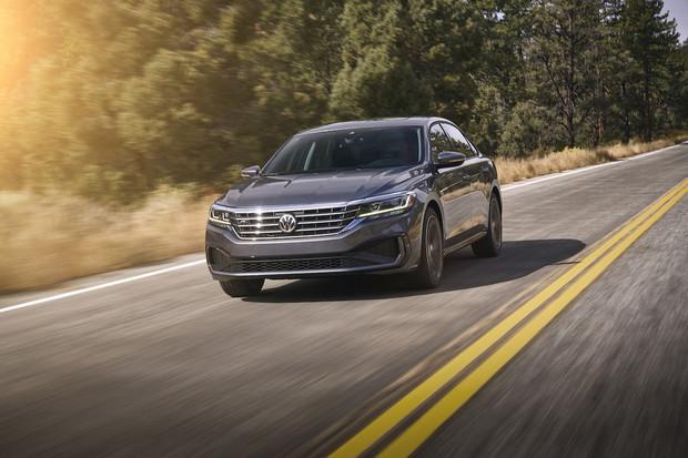 Volkswagen ukázal v Detroitu nového Passata. Evropě zůstane zapovězen