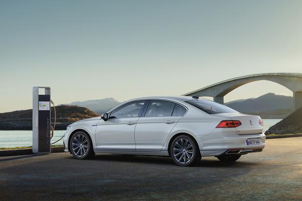 Chytřejší, samostatnější a vždy online. To je nový Volkswagen Passat