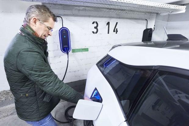 Innogy v Essenu ukázalo nové chytré nabíjecí stanice