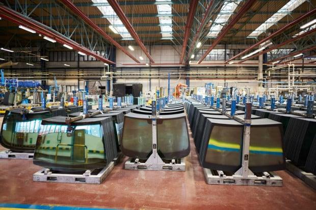 Česká firma AGC Automotive loni vyrobila rekordních 32,5 milionů autoskel