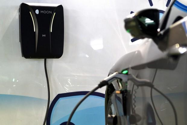 Porsche Česká republika zahajuje projekt nabíjecí infrastruktury MOON