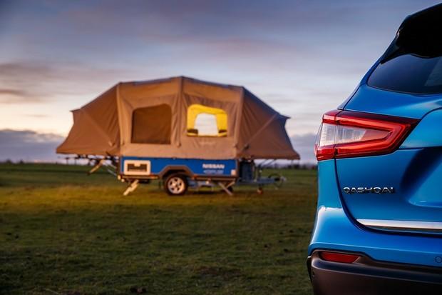 Nissan ukázal koncept kempovacího přívěsu, který využívá baterie z elektromobilů