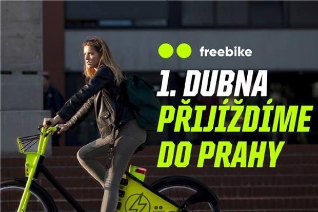 V Praze začíná od začátku dubna fungovat nový bikesharing. Jmenuje se freebike