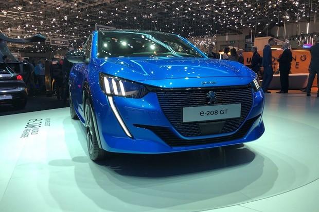 Na Slovensku začala výroba elektromobilu Peugeot e-208