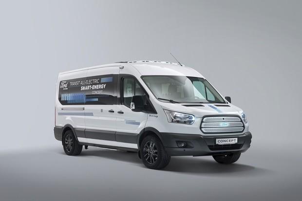 Ford představil prototyp desetimístného elektrického minibusu