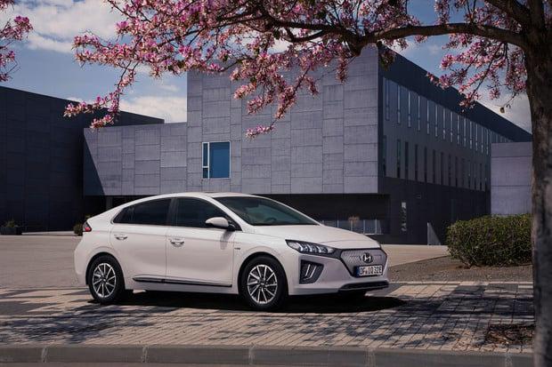 Větší baterie i dojezd a přepracovaný design. To je modernizovaný Hyundai Ioniq