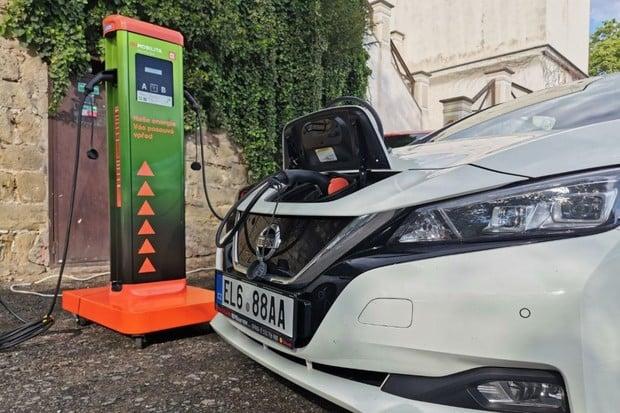 O značky pro elektromobily je v Česku zájem. Víme, kolik se jich rozdalo