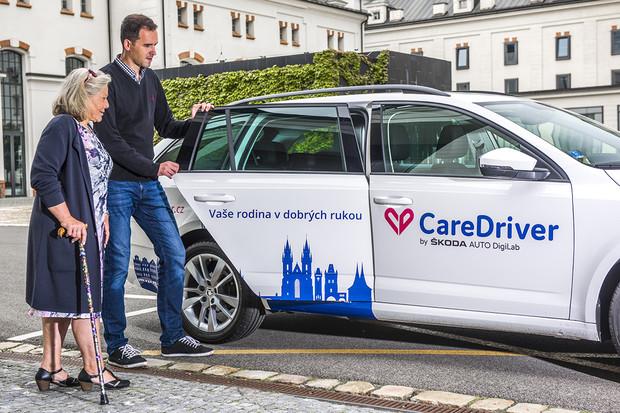 Sociálně zaměřená služba Škody DigiLab s názvem CareDriver míří i do Prahy