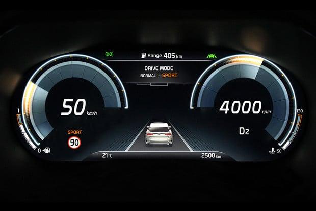 Už i Kia bude mít v nabídce digitální přístrojový štít