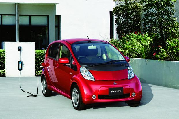 Elektromobil s logem Mitsubishi slaví deset let