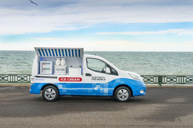 Elektrická dodávka od Nissanu jako zmrzlinový vůz? V Británii realita