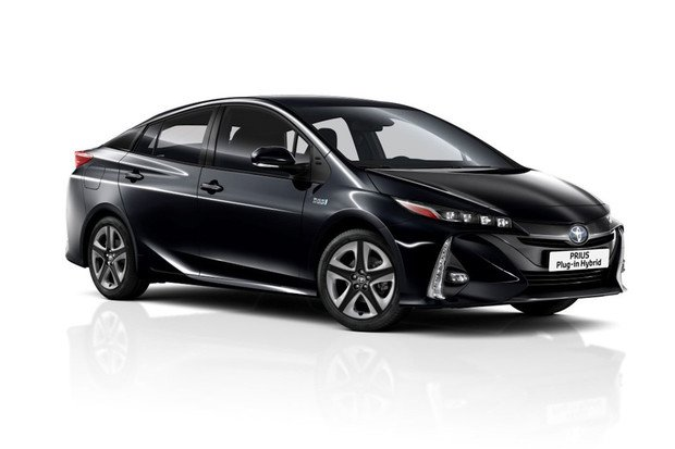 Toyota ukazuje nový pětimístný Prius Plug-in Hybrid