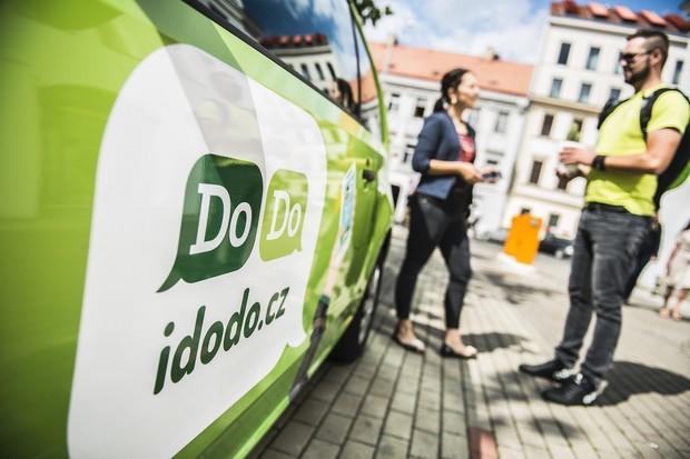 Logistický startup DoDo pokračuje ve strmém růstu. Za rok 2020 utržil půl miliardy