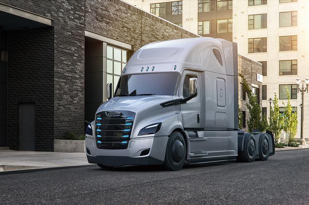 Daimler odstartoval dodávky svého elektrického tahače eCascadia