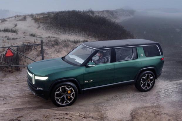 SUV a pickup od Rivianu budou mít zabudovanou Alexu od Amazonu