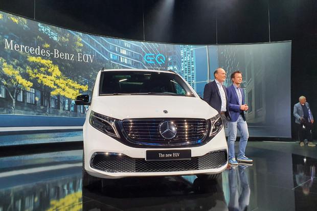 Právě představený Mercedes-Benz EQV zaujme 90kWh baterií i dojezdem přes 400 km