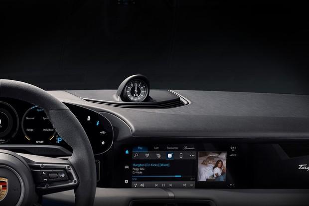 Taycan bude prvním vozem s Apple Music přímo v infotainmentu