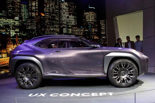 Vyzpovídali jsme šéfa evropského Lexusu. Jak vidí budoucnost automobilismu?
