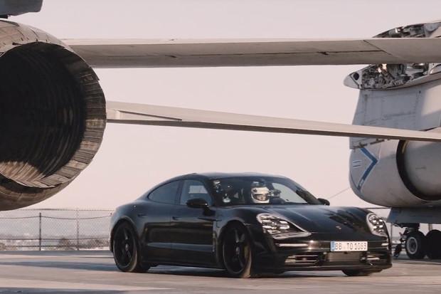 Kolik sekund potřebuje Porsche na rychlost 145 km/h a následné zastavení?