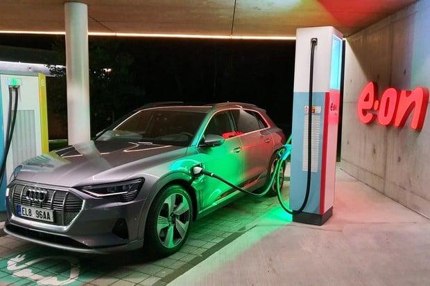 E.ON od února zdraží nabíjení pro elektromobily. AC bude za 6 Kč