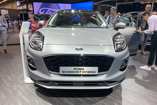 Ford představil elektrifikované modely, které mu mají pomoci s ambiciózním plánem