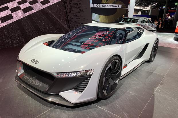 Návštěva stánku Audi na frankfurtském autosalonu zvedá adrenalin v krvi