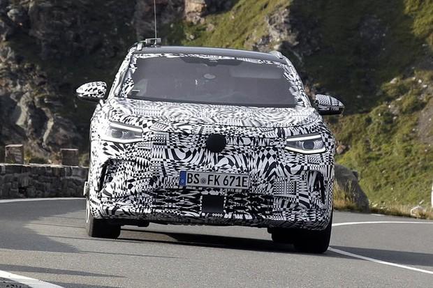 Volkswagen v Alpách testuje ID.4. Na trh dorazí v roce 2022