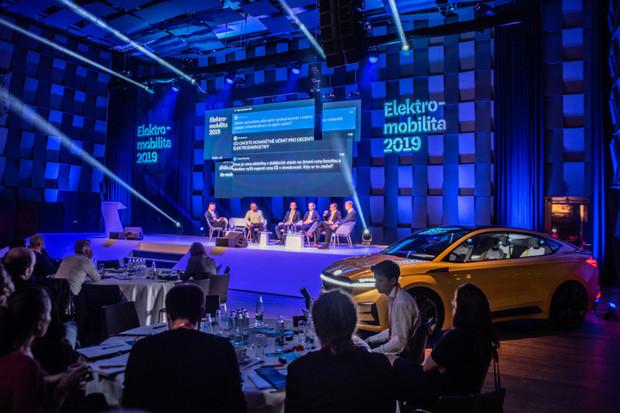 Elektromobilita 2019: společně k lepším zítřkům?