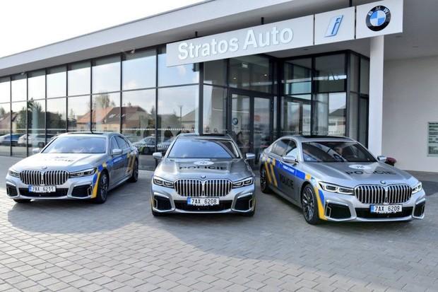Policie se u nás bude cítit jako v Dubaji. Dostane plug-in hybridní BMW řady 7