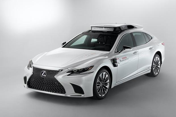 Toyota a Lexus nasazují autonomní vůz do jedné z nejrušnějších částí Tokia