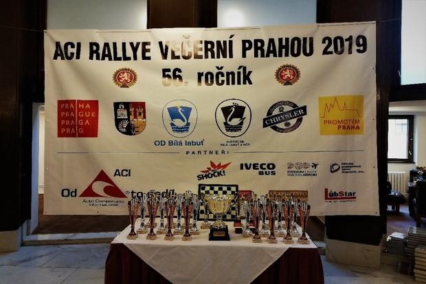 Jak si vedla naše redakce na 56. ročníku Rallye večerní Prahou
