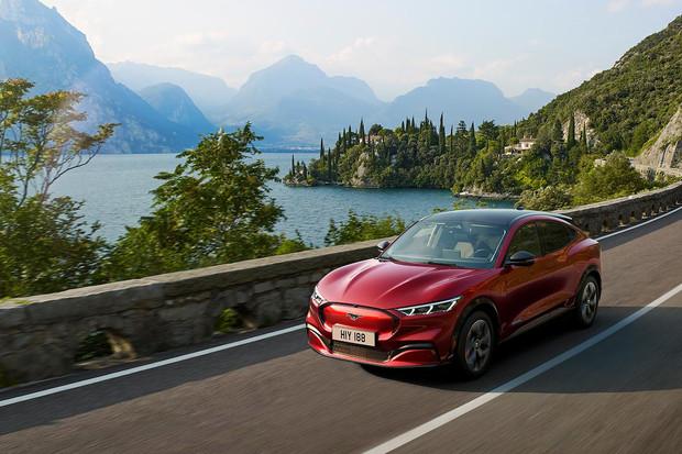 10 minut nabíjení na IONITY a elektrický Mustang prodlouží dojezd až o 119 km