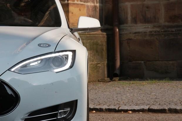 Tesla oficiálně představila model S 75D