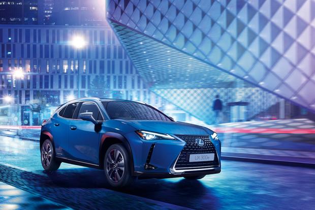 Elektrický Lexus se začal prodávat v Číně. Příští rok přijde i do Evropy