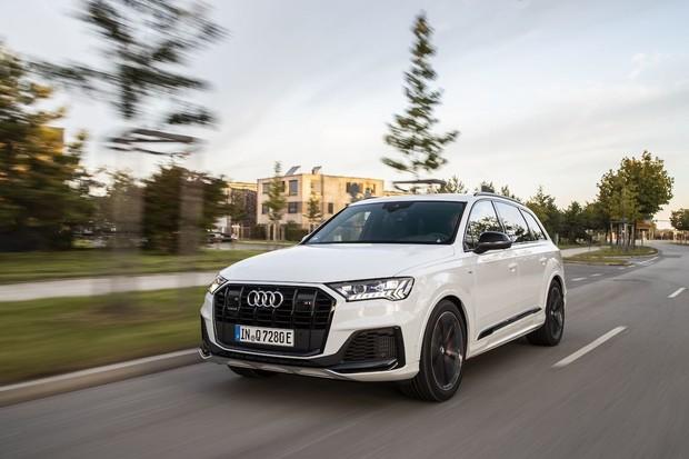 Audi Q7 TFSI e zvládne 43 elektrických kilometrů. Na trh vstoupí už příští rok