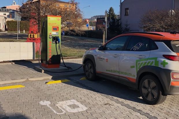 ČEZ hlásí v Olomouckém kraji 60% nárůst objemu nabíjení elektromobilů