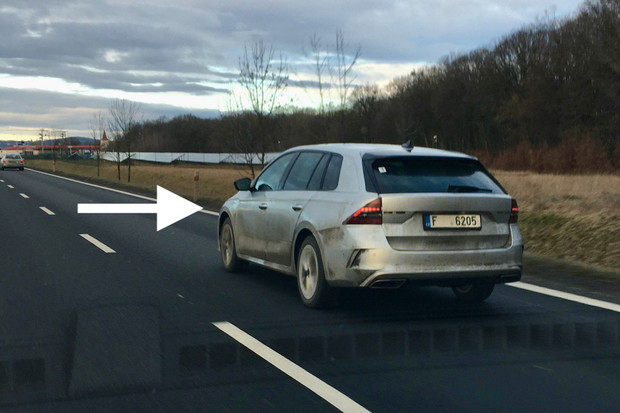 Škoda Octavia RS iV nafocena na českých silnicích
