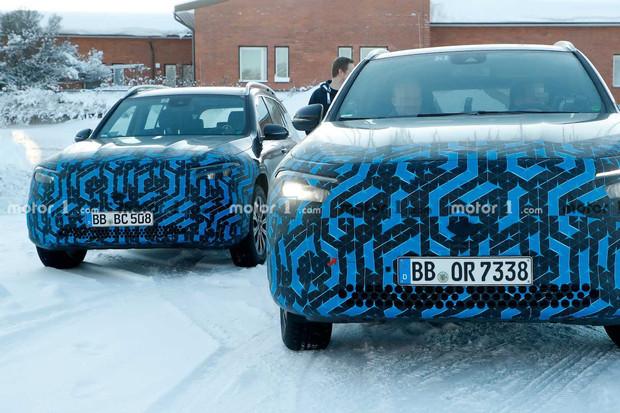 Mercedes EQA byl spatřen při testech pouze s částečným maskováním