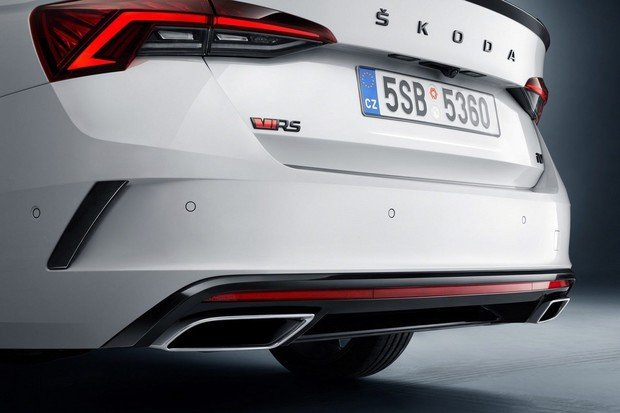Škoda výrazně rozšiřuje nabídku online prodeje o skladové vozy
