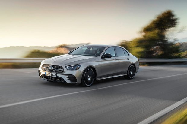 Modernizovaný Mercedes E-Class s novými elektrifikovanými pohony