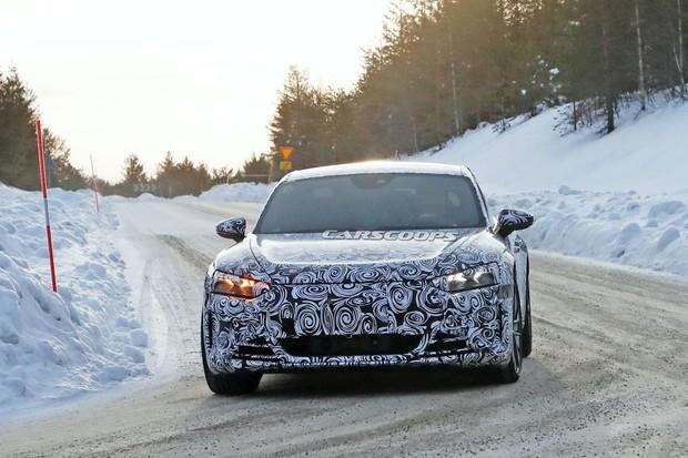 Audi e-tron GT už se testuje. Stojí na stejné platformě jako Porsche Taycan