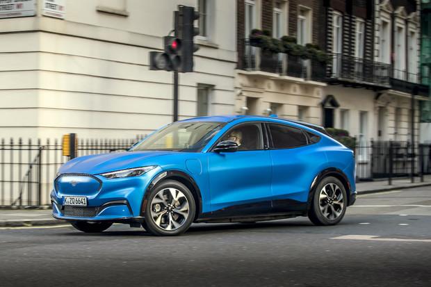 Ford láká na nový Mustang Mach-E. Prý se nemusíme obávat nedodělků jako u Tesly