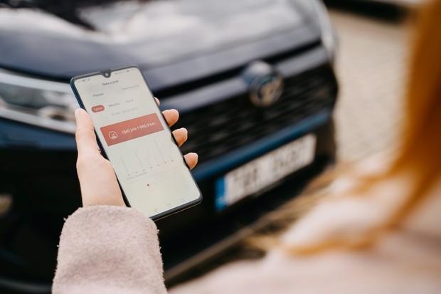 Už i Toyota má aplikaci pro chytré telefony. Pro vybrané modely funguje od 1. dubna