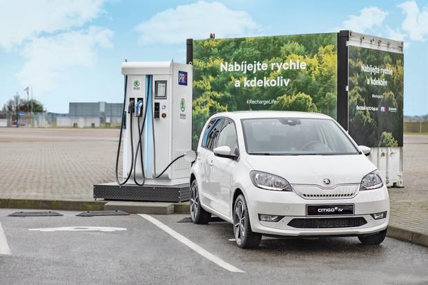Registrace elektromobilů v listopadu stouply, Škodovka je opět první