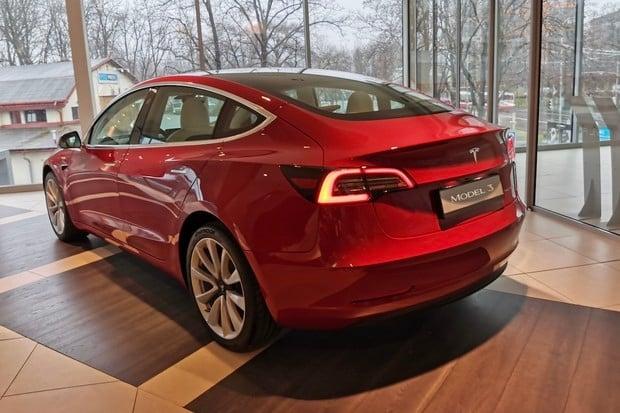 Tesla v Číně za březen vyrobila 10tisíc vozů Model 3
