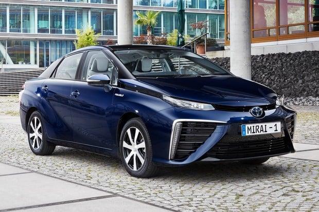 Věděli jste, že vodíková Toyota Mirai pokryje energetické potřeby domu na dva dny?