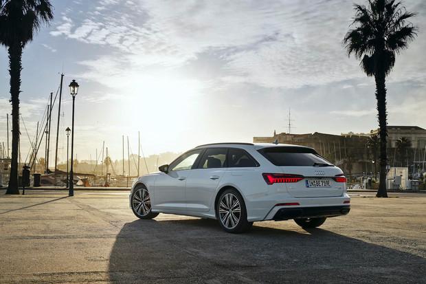 Audi A6 Avant do zásuvky míří na trh. Výkonem nadchne, ale cena není pro každého